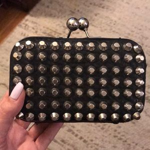 Studded clutch with optional chain strap